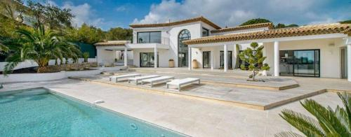 Luxury House for rent GRIMAUD, 430 m², 4 Bedrooms