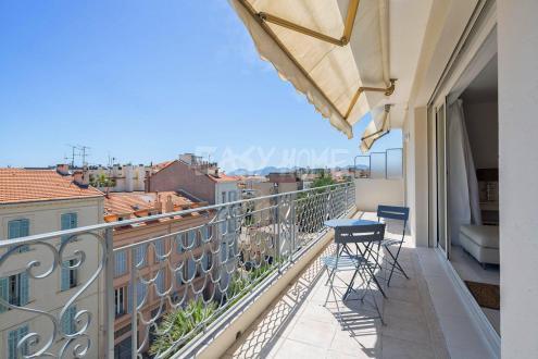 Квартира класса люкс на продажу  Канны, 95 м², 2 Спальни, 892000€