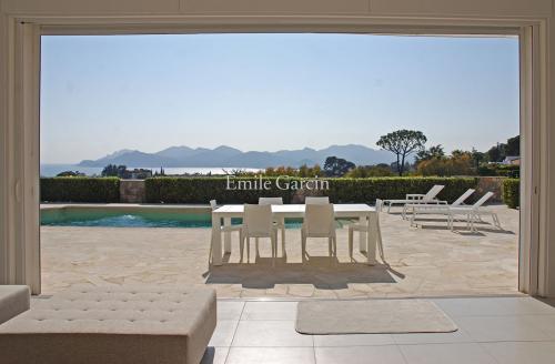 Casa di lusso in affito CANNES, 300 m², 6 Camere,