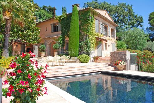 Luxury House for rent MOUGINS, 240 m², 5 Bedrooms,