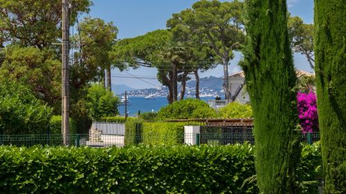 Maison de luxe à vendre CAP D'ANTIBES, 295 m², 5 Chambres, 4500000€
