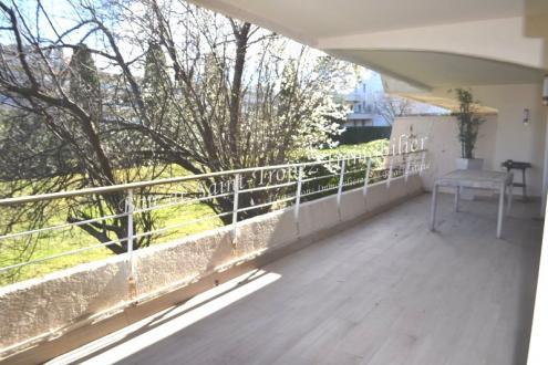 Luxury Apartment for sale SAINT TROPEZ, 121 m², 3 Bedrooms, €980000