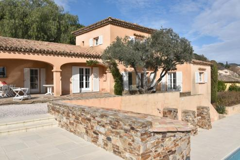 Вилла класса люкс на продажу  Гримо, 180 м², 4 Спальни, 1900000€
