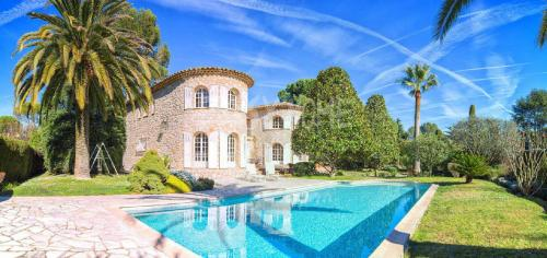 Maison de luxe à vendre MOUGINS, 225 m², 5 Chambres