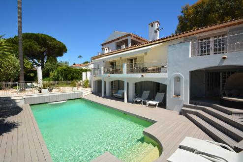 Maison de luxe à louer CAP D'ANTIBES, 250 m², 5 Chambres