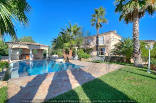Maison de luxe à vendre SAINT RAPHAEL, 204 m², 4 Chambres