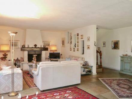 Вилла класса люкс в аренду Muzzano, 220 м², 4 Спальни