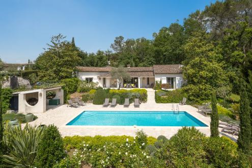 Luxury House for rent VALBONNE, 240 m², 4 Bedrooms