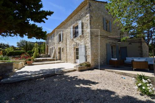Casa di lusso in affito EYGALIERES, 300 m², 5 Camere,