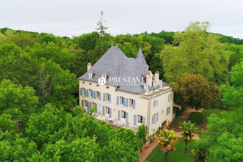 Château / Manoir de luxe à vendre FIGEAC, 591 m², 11 Chambres, 1330000€