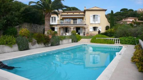 Maison de luxe à vendre SAINTE MAXIME, 280 m², 5 Chambres