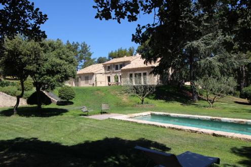Casa di lusso in affito EYGALIERES, 250 m², 4 Camere,