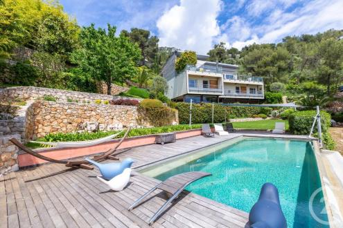 Maison de luxe à vendre BEAUSOLEIL, 350 m², 5 Chambres, 3600000€
