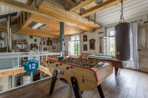 Luxus-Haus  zu vermieten CRESPIERES, 350 m², 6 Schlafzimmer