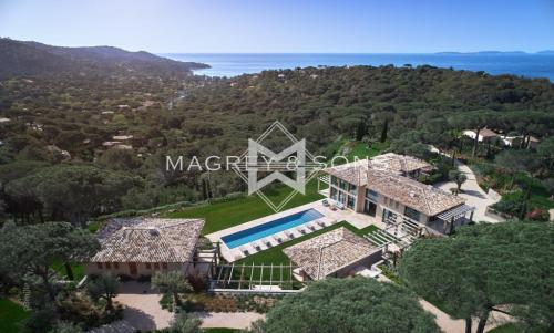 Luxus-Liegenschaft zu verkaufen LA CROIX VALMER, 802 m², 11 Schlafzimmer, 31800000€