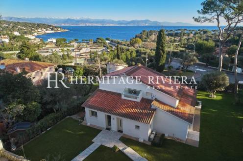 Luxury House for rent CAP D'ANTIBES, 220 m², 4 Bedrooms,