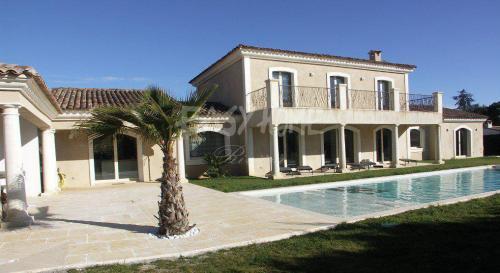 Luxus-Villa zu verkaufen MOUGINS, 290 m², 4 Schlafzimmer, 1940000€
