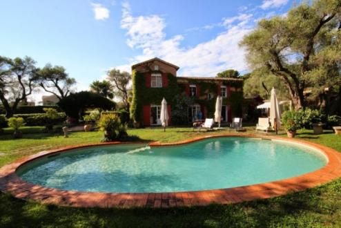 Luxury House for rent CAP D'ANTIBES, 500 m², 7 Bedrooms