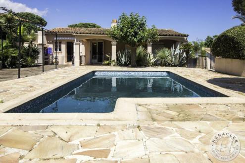 Villa de luxe à vendre GASSIN, 159 m², 6 Chambres