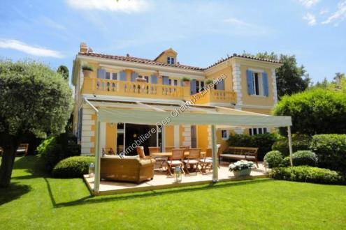 Proprietà di lusso in affito SAINT TROPEZ, 250 m², 5 Camere