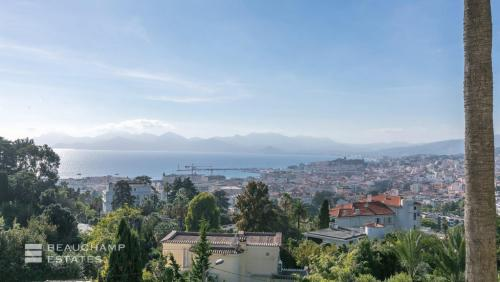 Luxury House for rent CANNES, 670 m², 7 Bedrooms,