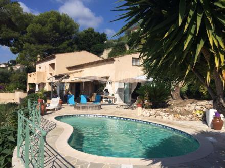 Villa de luxe à vendre LE GOLFE JUAN, 300 m², 4 Chambres, 2145000€