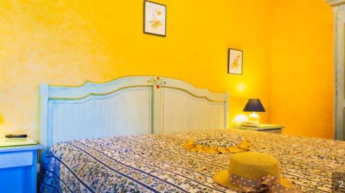 Luxus-Farm zu verkaufen NIMES, 1000 m², 15 Schlafzimmer, 1410000€
