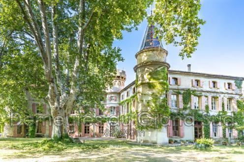 Château / Manoir de luxe à vendre CHATEAUNEUF DU PAPE, 1300 m², 7 Chambres, 1378000€