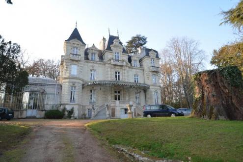 Château / Manoir de luxe à vendre SAUMUR, 800 m², 11 Chambres, 1480000€