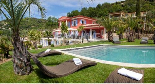 Luxus-Villa zu verkaufen GRASSE, 440 m², 7 Schlafzimmer, 3750000€