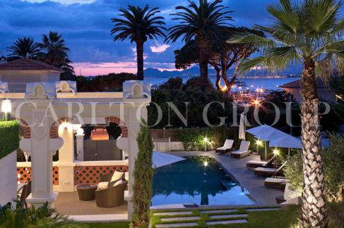 Luxury House for rent CAP D'ANTIBES, 420 m², 5 Bedrooms,