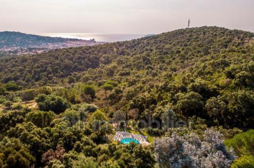 Villa de luxe à vendre SAINTE MAXIME, 471 m², 9 Chambres, 2980000€