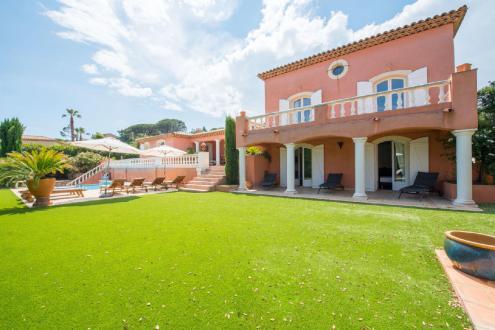 Maison de luxe à vendre SAINTE MAXIME, 270 m², 5 Chambres