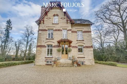 Casa di lusso in vendita CHANTILLY, 300 m², 6 Camere