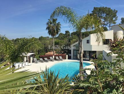 Luxury House for rent MOUGINS, 450 m², 5 Bedrooms,
