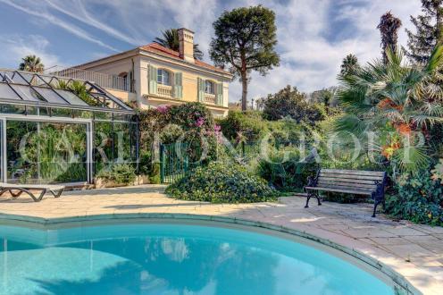 Maison de luxe à vendre CAP D'ANTIBES, 184 m², 5 Chambres