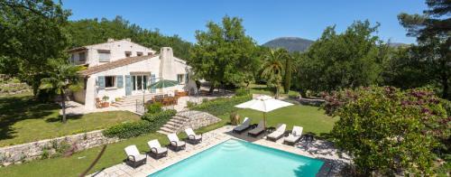 Maison de luxe à louer VALBONNE, 400 m², 5 Chambres
