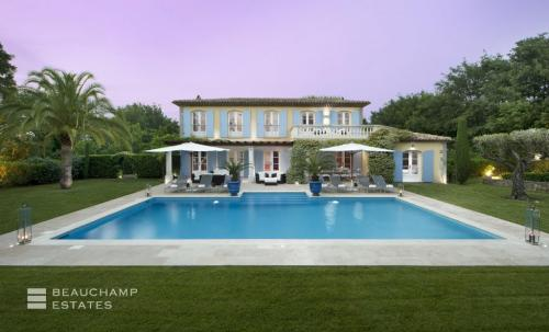 Luxury House for rent SAINT TROPEZ, 450 m², 5 Bedrooms,