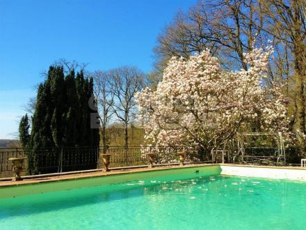 Casa di lusso in vendita MAGNY LES HAMEAUX, 330 m², 7 Camere, 950000€