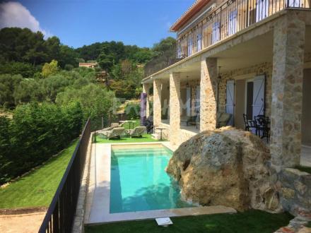 Maison de luxe à louer MOUGINS, 220 m², 4 Chambres