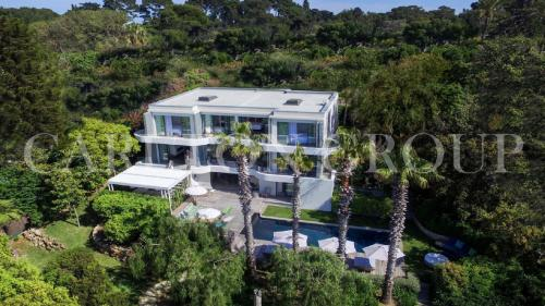 Luxury House for rent CAP D'ANTIBES, 420 m², 6 Bedrooms