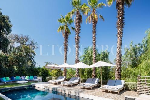 Maison de luxe à louer CAP D'ANTIBES, 420 m², 6 Chambres