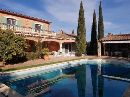 Luxus-Haus zu verkaufen ARLES, 240 m², 5 Schlafzimmer, 689000€