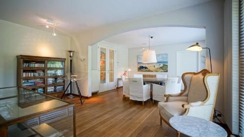 Luxe Villa te huur SINT GENESIUS RODE, 330 m², 4 Slaapkamers