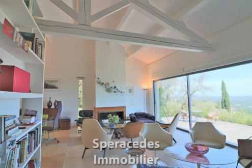 Вилла класса люкс на продажу  Сперасед, 225 м², 6 Спальни