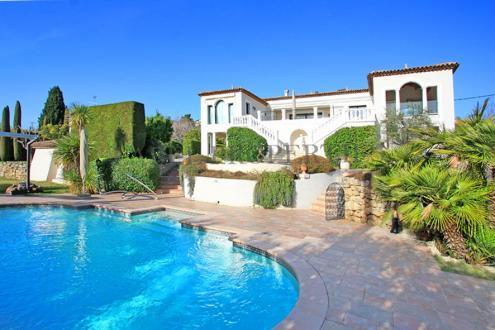 Casa di lusso in vendita LE GOLFE JUAN, 400 m², 3 Camere
