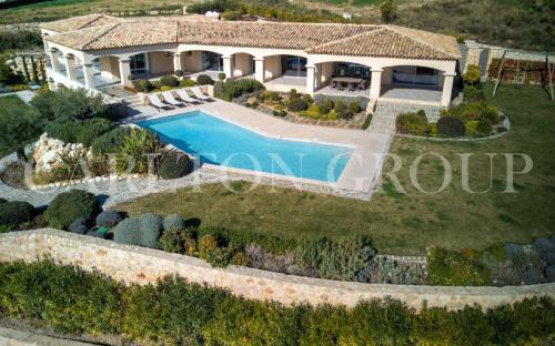 Villa de luxe à vendre ROQUEFORT LES PINS, 500 m², 6 Chambres