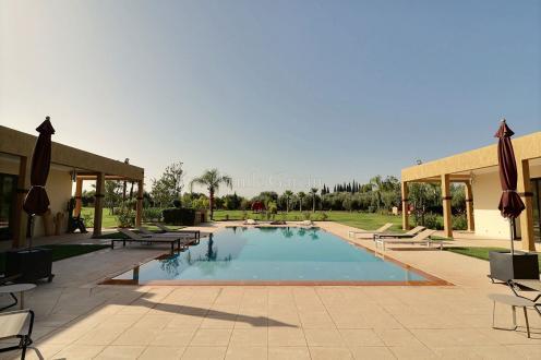 Villa de luxe à vendre SOUS MASSA DRAA, 600 m², 6 Chambres, 1550000€