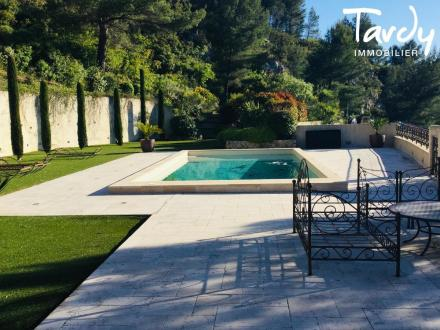 Maison de luxe à vendre MARSEILLE, 340 m², 4 Chambres, 1650000€