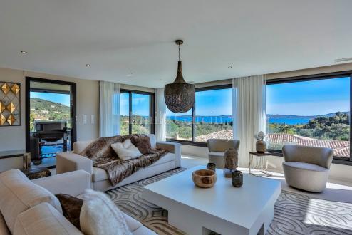 Maison de luxe à louer GRIMAUD, 300 m², 4 Chambres,